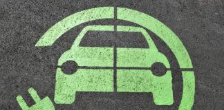 """Gdzie i jak """"ładować"""" elektryczny samochód?"""