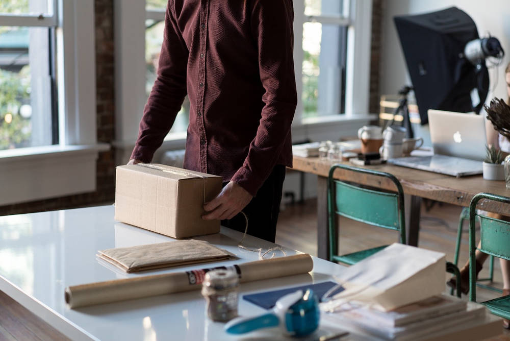 Nadawanie przesyłek podczas prowadzenia sklepu internetowego