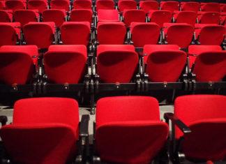 Dlaczego warto chodzić regularnie do teatru?