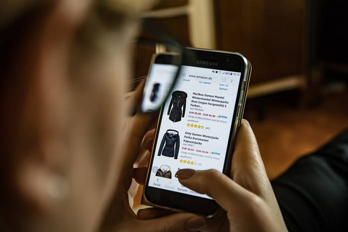 Płatności przez SMS-a- dlaczego warto z nich korzystać?